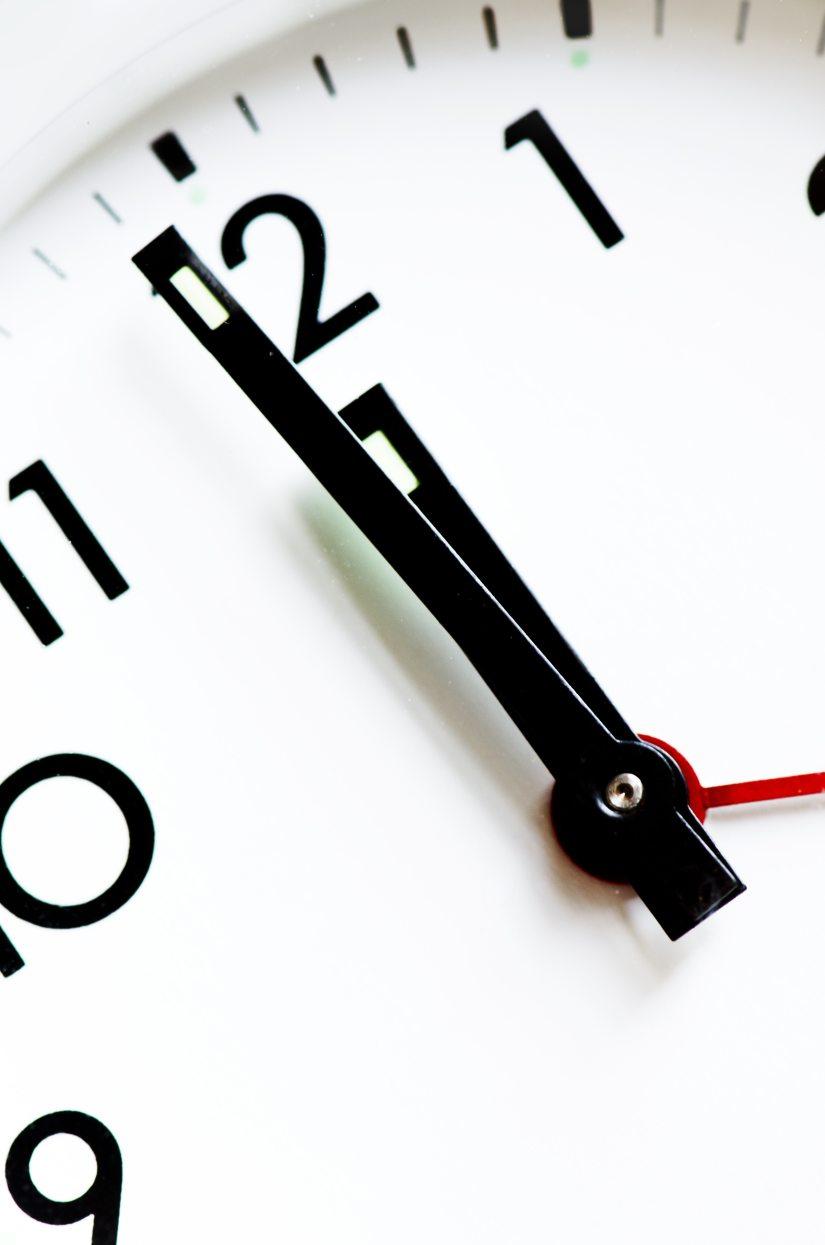 accuracy-afternoon-alarm-clock-analogue-280277.jpg